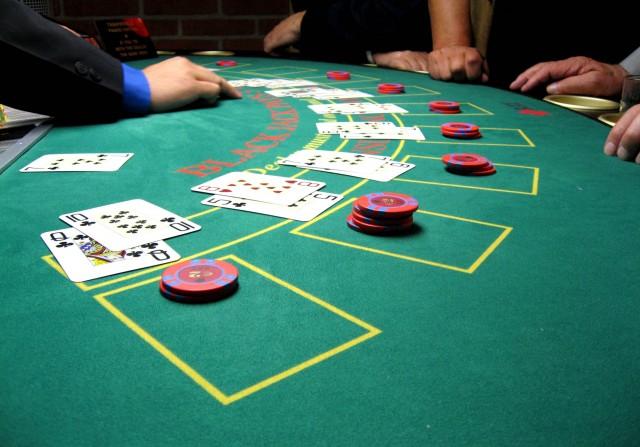 blackjack_board-e1448558591468