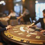 Come raccogliere fiches da poker in stile casinò.